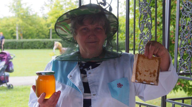 """Demenē pagasta svētku ietvaros aizvadīti šī gada garšīgākie svētki – """"Medus un siera svētki"""""""