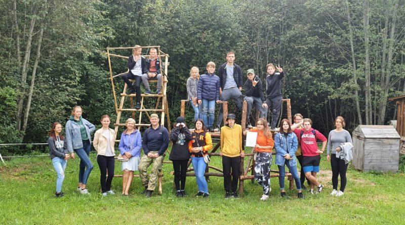 """Demenes pagasta jauniešu neformālā grupa """"Aktīvi jaunieši"""" veiksmīgi realizēja projektu  """"Mēs savam pagastam!""""."""